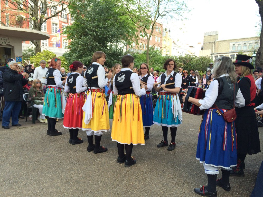 Cuckoos Nest women morris dancers in Brighton